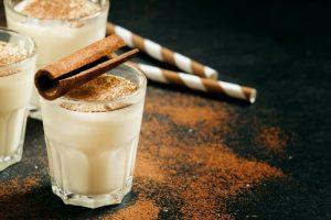 شیر و دارچین